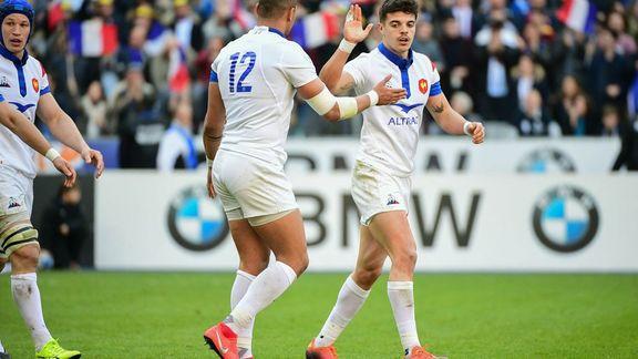 rencontre un garçon de rugby datant d'une personne élevée enfilées