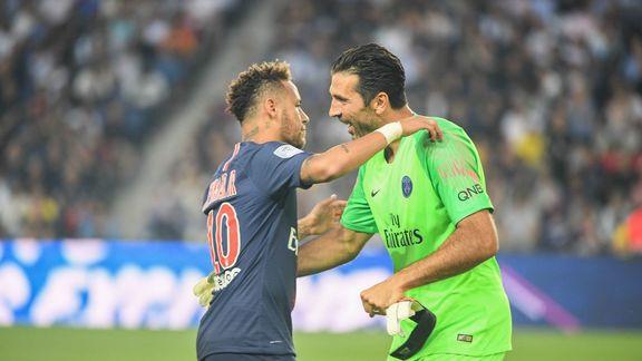 Buffon remercie le PSG de l'avoir sauvé de la retraite