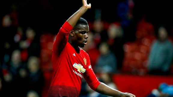 International : Man United : Giggs conseille de donner des coups à Pogba