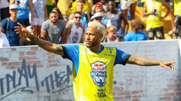 Entrainement aménagé pour Neymar