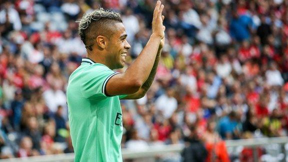 Transferts : Islam Slimani rejoint la Ligue 1 française
