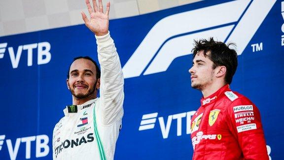 Hamilton et Rossi ensemble sur la piste