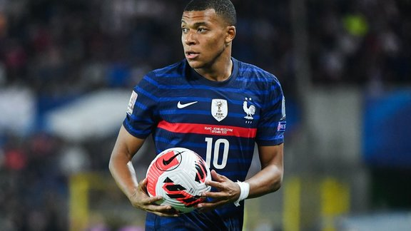 PSG |  PSG – Ruffle: Daniel Riolo goes as much as the plate for Kylian Mbappé!