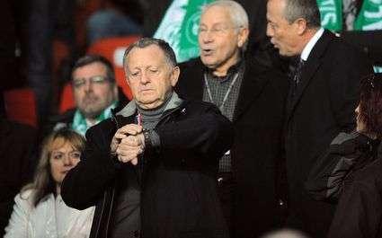Lyon - PSG : Aulas recadré par un arbitre