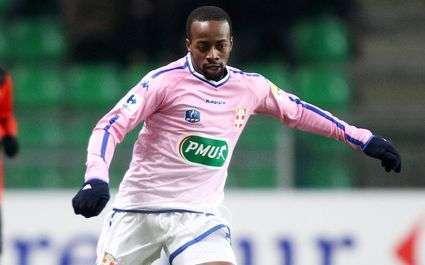 Evian : Govou ne jouera pas contre Lyon
