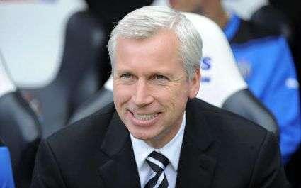 Newcastle : Alan Pardew signe...huit ans