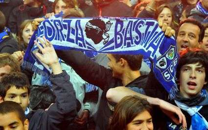 Auxerre et Bastia sanctionnés !