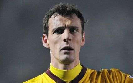 Transferts - Arsenal : Squillaci prospecte en France