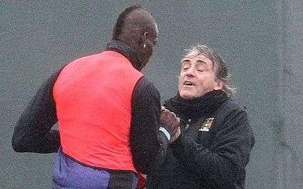 Man City : Mancini accuse Balotelli d'être « lunatique »