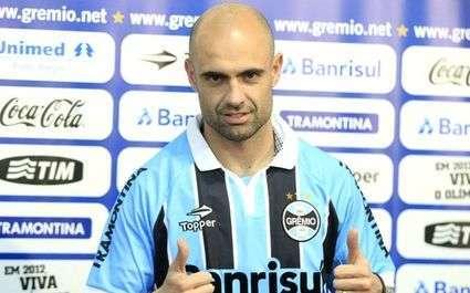 Cris présenté à Grêmio