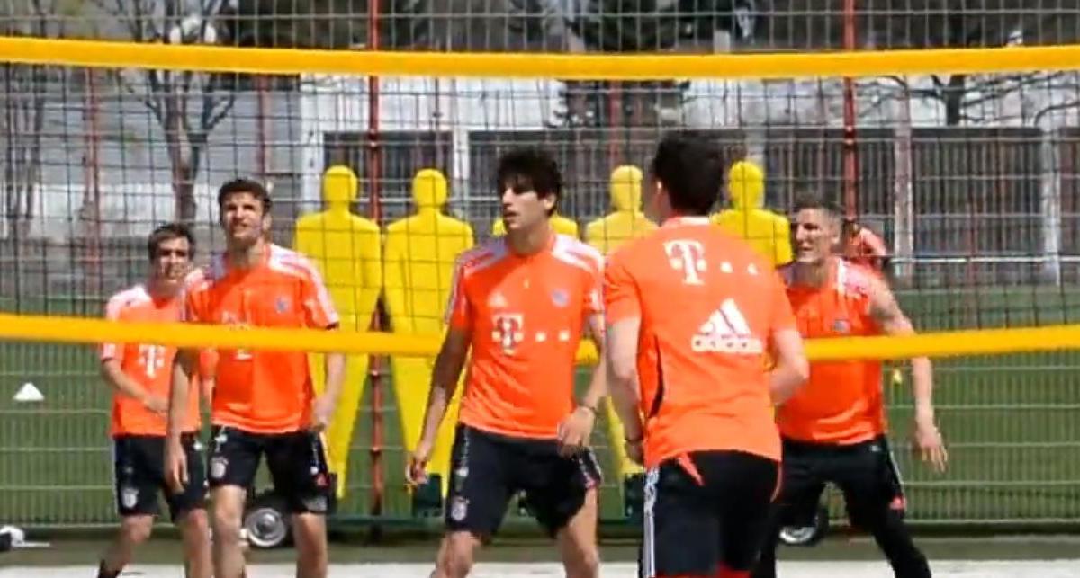 Vidéo : Le Bayern se met au beach-volley