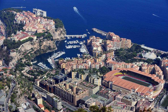 Vue aérienne du stade Louis II, Monaco