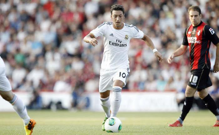 Manchester United : Contact établi avec le Real Madrid pour deux joueurs