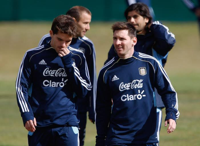 Fernando Gago & Lionel Messi