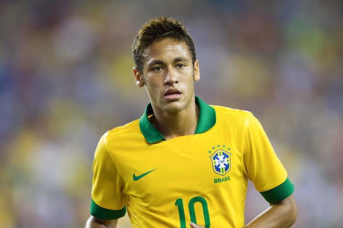 Brésil : Pelé craint une Neymar-dépendance