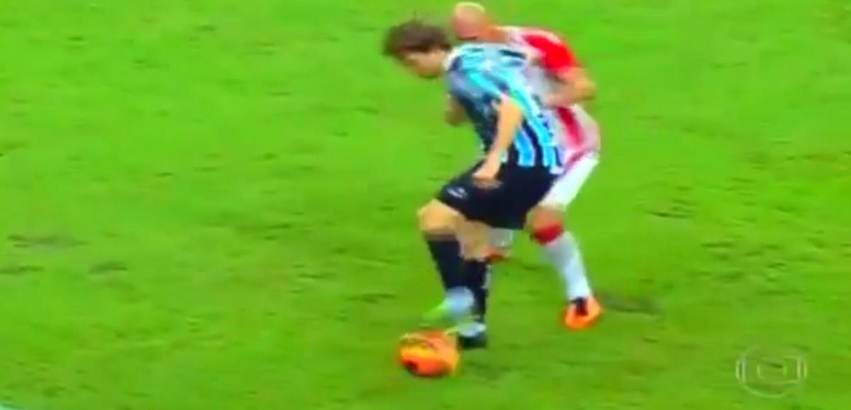 Vidéo : Trois petits ponts à la suite au même adversaire !