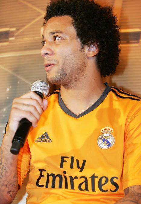 Diapo : La présentation du maillot third du Real Madrid