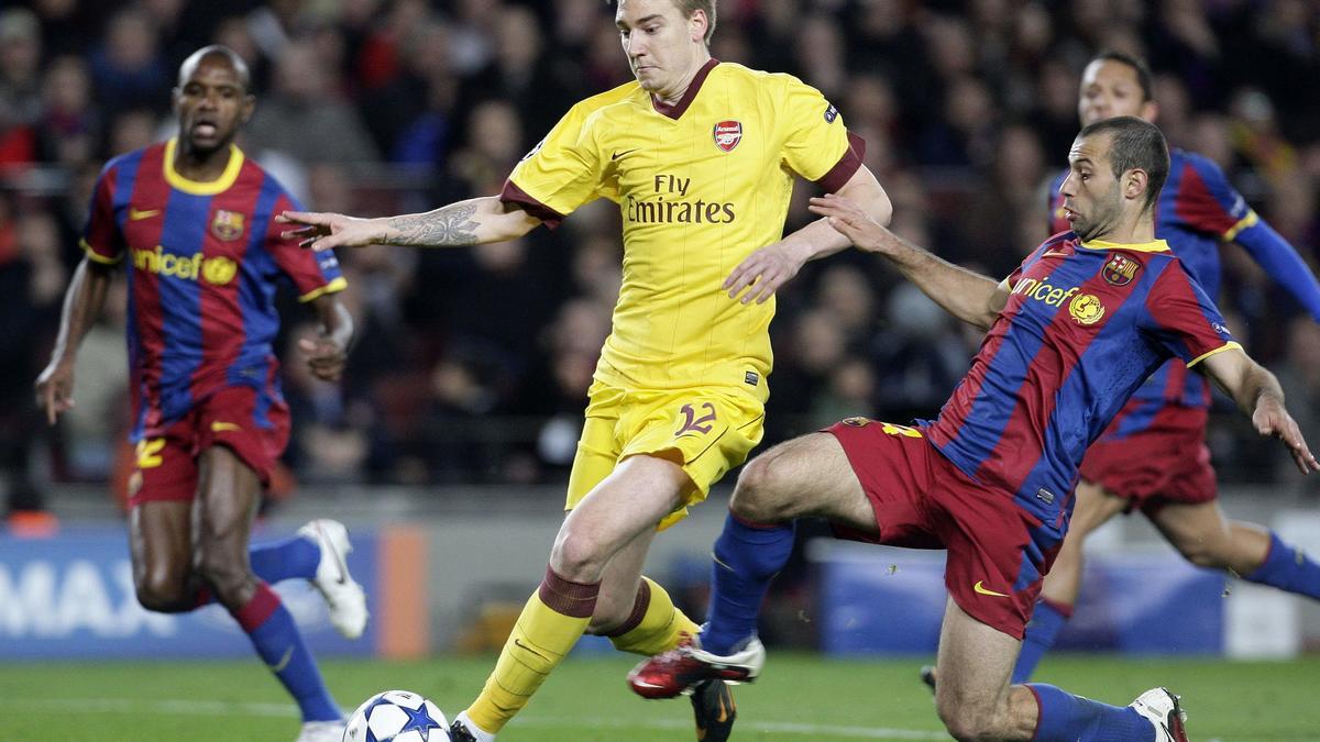 Nicklas Bendtner face au FC Barcelone