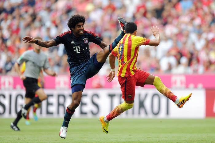 Dante face au FC Barcelone, en juillet 2013