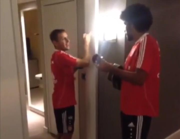 Insolite : Les Brésiliens du Bayern Munich préparent leur reconversion (vidéo)