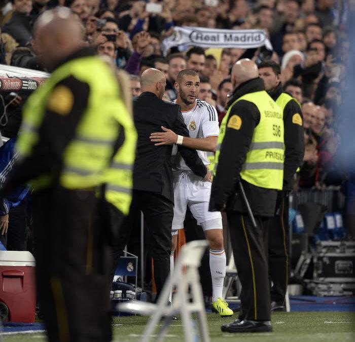Real Madrid : Benzema a célébré son premier but avec Zidane (vidéo)