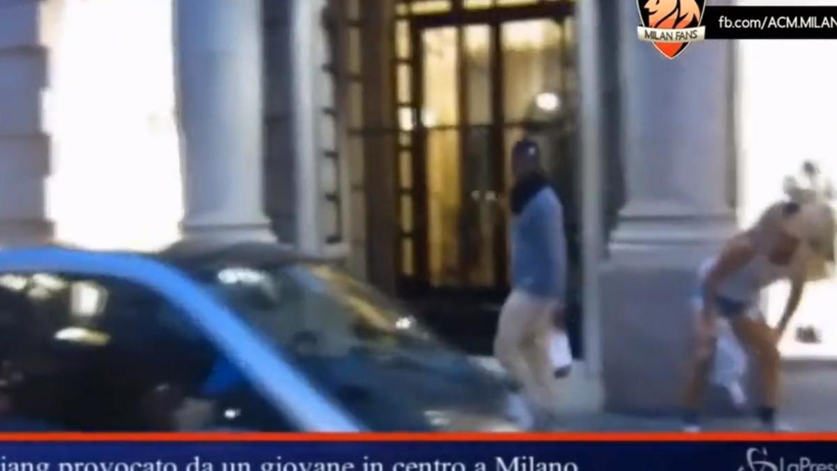 Insolite : M'Baye Niang harcelé par un travesti en pleine rue (vidéo)