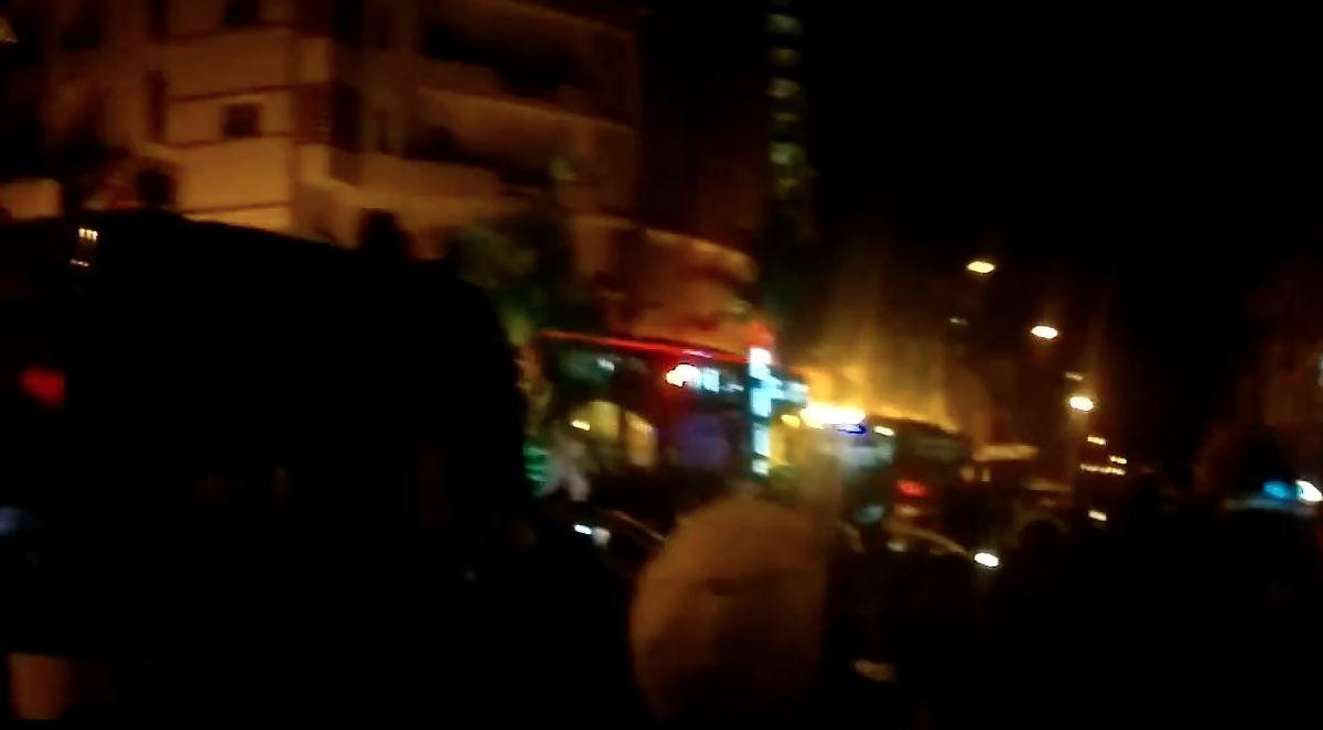 Algérie - Burkina : Les supporters algériens en bas de l'hôtel des joueurs du Burkina (vidéo)