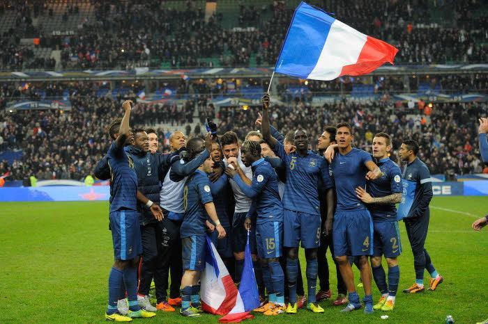 Quipe de france coupe du monde dans le vestiaire de l quipe de france vid o - Coupe de france l equipe ...