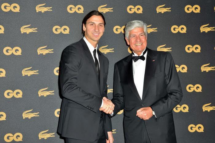 PSG : Zlatan Ibrahimovic reçoit le prix de l'homme de l'année (vidéo)