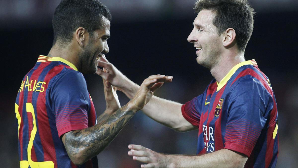 Daniel Alves - Messi