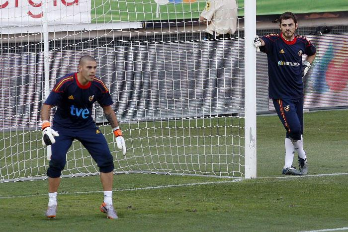 Victor Valdès & Iker Casillas