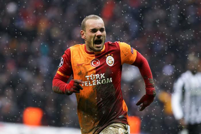 Mercato - Manchester United : Sneijder évoque sa situation