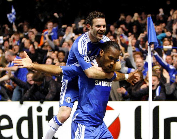 Juan Mata et Didier Drogba, Chelsea
