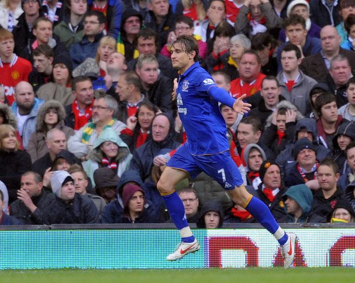 Nikica Jelavic a signé un doublé pour Everton