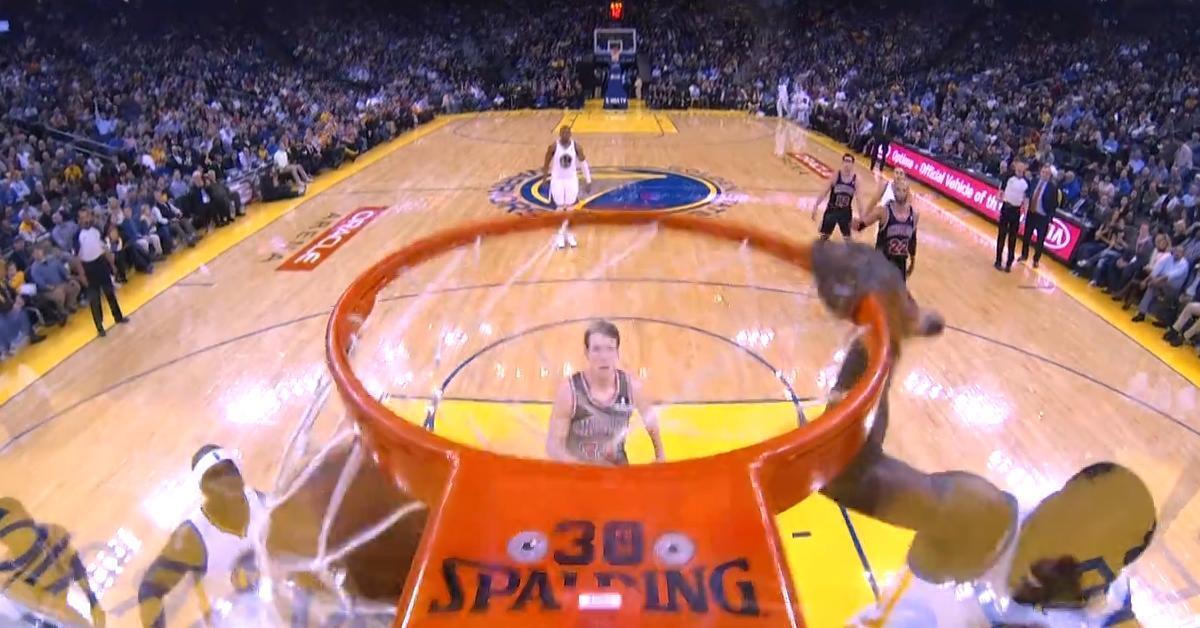 Basket - NBA : Draymond Green a inscrit plus beau dunk de la nuit (vidéo)