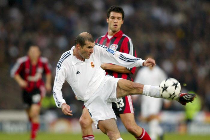 Ligue des Champions 2002 : La volée sensationnelle de Zinedine Zidane en finale (vidéo)