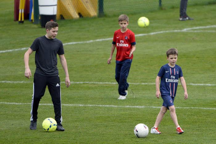 Brooklyn, Cruz et Romeo Beckham, au Camp des Loges en 2013