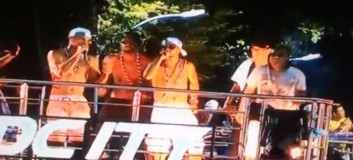 Ronaldinho fait le show au carnaval de Rio (vidéo)