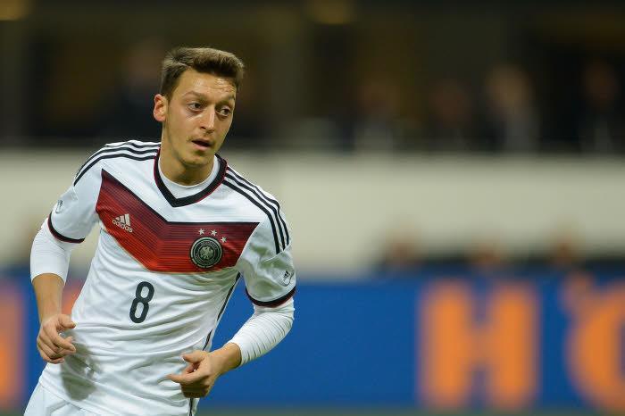 Mesut Özil, Allemagne
