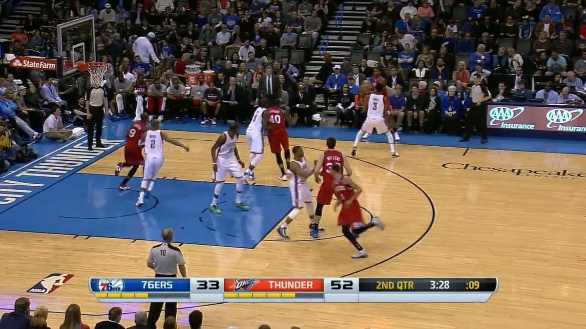 Basket - NBA : Le plus beau dunk de la nuit dernière par Hollis Thompson (vidéo)