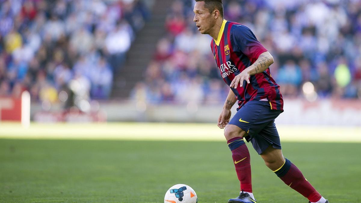 PSG : Un défenseur de Barcelone en approche ?