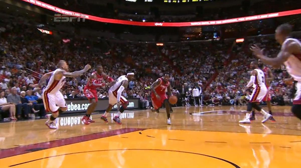 Basket - NBA : Le dunk de la nuit dernière par Patrick Beverley (vidéo)
