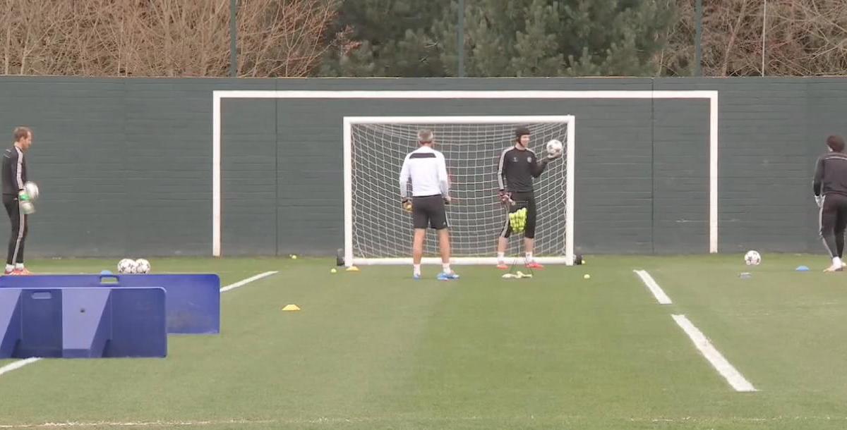 Chelsea : L'entraînement très spécial de Petr Cech (vidéo)