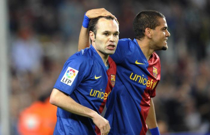 Andrés Iniesta et Daniel Alves, saison 2008-2009