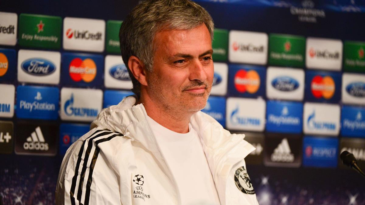 Chelsea : José Mourinho lâche un indice sur le mercato des Blues