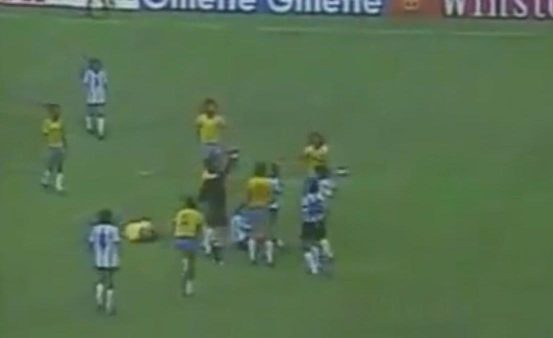 Coupe du monde coupe du monde 1982 le coup de karat de diego maradona vid o - Coupe du monde de foot 1982 ...