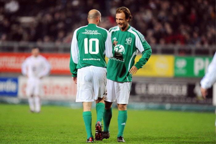 Zinédine Zidane et Christophe Dugarry, en 2009