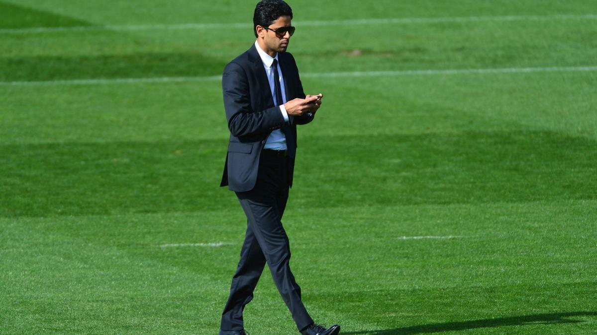 PSG : Nasser Al-Khelaïfi en visite à la formation (vidéo)