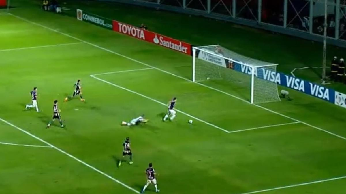 L'incroyable loupé de Mauro Matos en Copa Libertadores (vidéo)