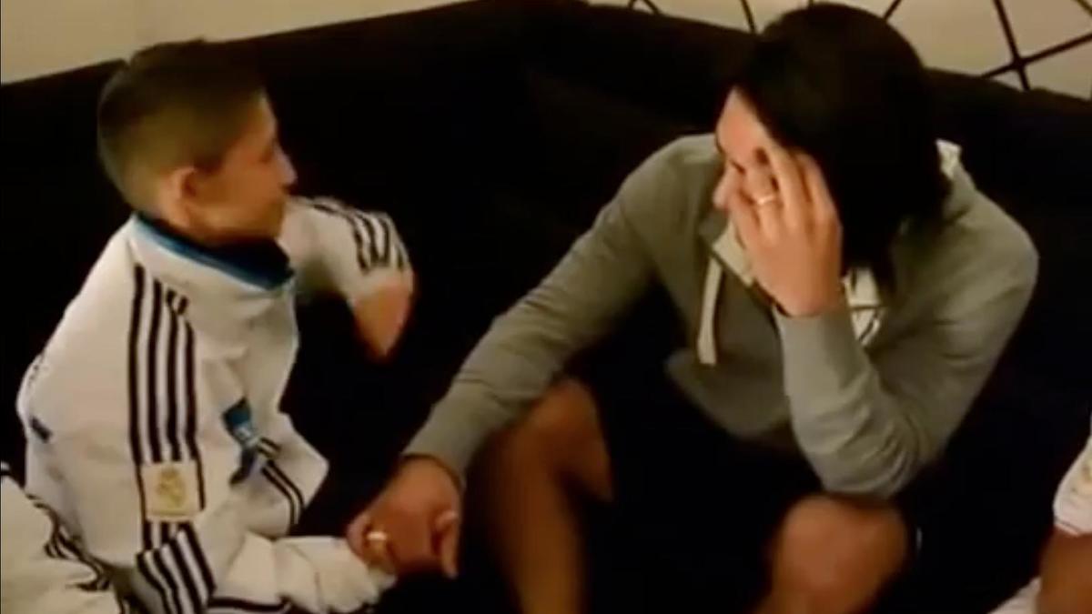 Un jeune garçon fait pleurer Falcao (vidéo)